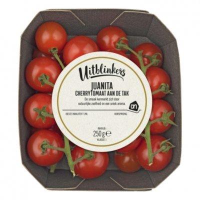 Huismerk Juanita cherrytomaten aan de tak