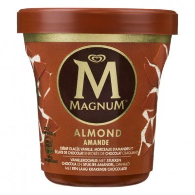 Magnum Pint almond
